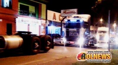 Caminhoneiros fazem buzinaço em Rolim de Moura