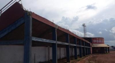 Após vendaval, Bombeiros liberam estádio João Saldanha para jogos
