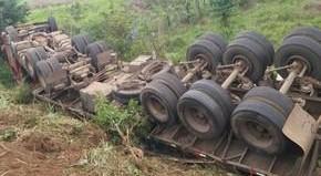 Criança de 9 anos morre após acidente com carreta na BR-364, Rondônia