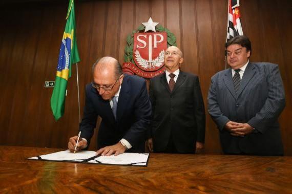 Governos de Rondônia e SP assinam termo de cooperação técnica na área da Saúde para contratação de serviços terceirizados