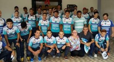 Espigão embarca para São Paulo para disputar a