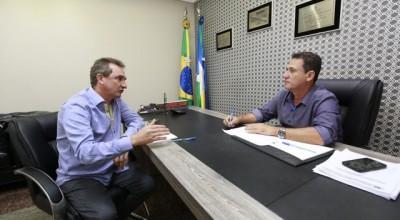 Maurão assegura R$ 300 mil para aeroporto de Rolim de Moura