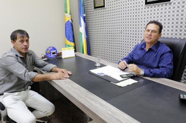 Maurão confirma recurso para recuperação de asfalto em Alto Alegre