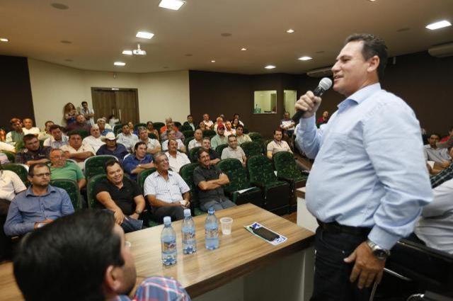 Pecuaristas fecham propostas para enfrentar queda no preço da arroba do boi