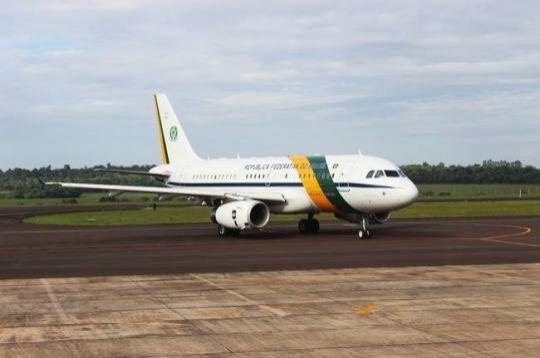 Avião que trazia presidente Dilma quase cai após passar por turbulência no Acre