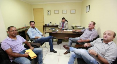Representantes de São Felipe agradecem apoio de Cleiton Roque