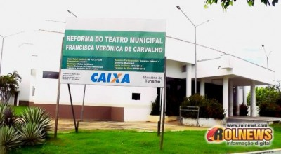 Teatro Municipal de Rolim de Moura permanece abandonado