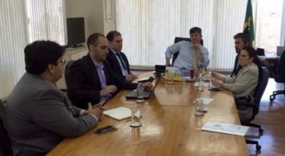 DNIT publicará  na próxima semana edital de licitação das obras de dragagem da Hidrovia do Madeira, afirma senador Valdir Raupp