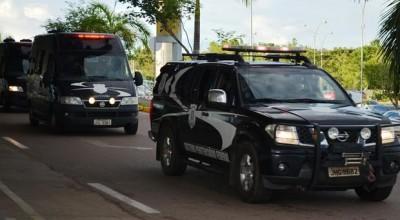 Líderes de facção transferidos do RN chegam a Rondônia em avião da PF