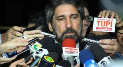 Senador Valdir Raupp afirma ser favorável ao impeachment e a saída do PMDB da base governista