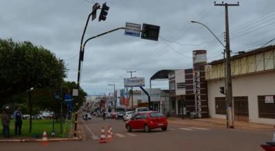 Após dias desativado, semáforos voltam a funcionarem Rolim de Moura