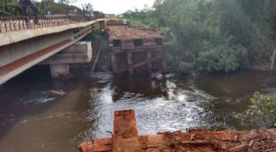 BR-429:DNIT retira ponte de madeira que liga São Francisco a Costa Marques