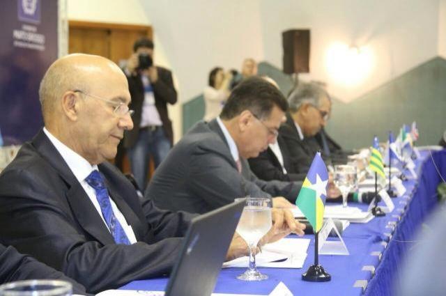 Cooperação entre estados membros de consórcio já traz benefícios para a educação de Rondônia, avalia Confúcio Moura