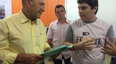 Jovem cientista mais premiado na Febrace em São Paulo é  de Rondônia