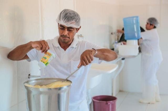 Rolim de Moura inaugura agroindústria de produção de suco com apoio da Emater