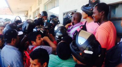 Trabalhadores desempregados lotam Sine Estadual em Porto Velho