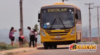 Rolim: Após uma 'semana de prova' parados por falta de pagamento, ônibus escolares voltam ao serviço