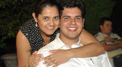 Jean Oliveira parabeniza as mães pelo  seu dia