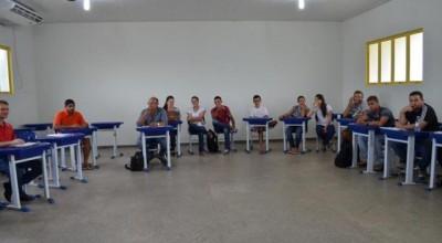 Prefeito busca parceria com Acadêmicos da Unir de Rolim de Moura