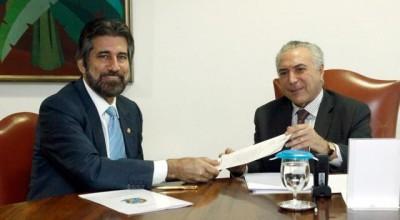Raupp apresenta ao presidente Michel Temer reivindicações para a infraestrutura de Rondônia