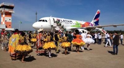 Tocha é recebida em Porto Velho com hino do estado e danças folclóricas