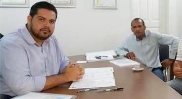Jean Oliveira atende vereador eleito e destina emenda para barracão da P42