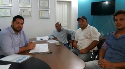 Jean Oliveira recebe vereador eleito de Alta Floresta