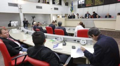 Projetos aprovados na Assembleia beneficiam servidores do Detran e Sesau