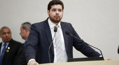Deputado Jean Oliveira lamenta a morte do jornalista empresário Phelippe Daou