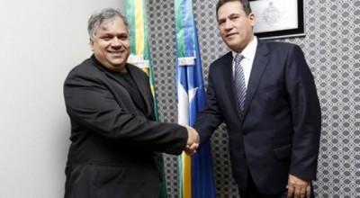 Maurão de Carvalho empossa novo deputado