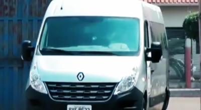 Prefeitura de Rolim compra Van para saúde, mas não paga e empresa vem buscar veículo