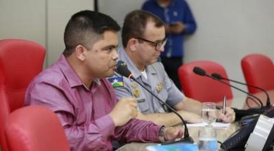 Jesuíno propõe soluções para problemas na Polícia Militar
