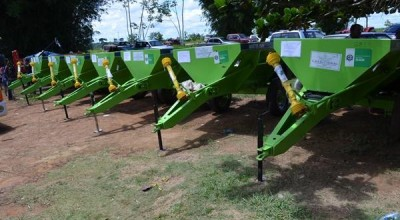 Associações dos Produtores Rurais de Rolim de Moura recebem implementos agrícolas