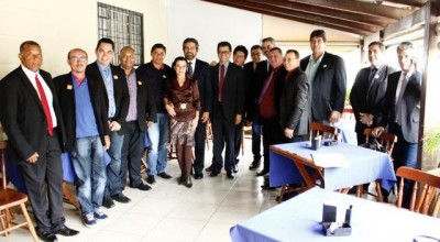 enador Raupp e Marinha debatem com mais de 30 prefeitos ações para desenvolver Municípios
