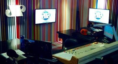 Jovem Pan FM começa a tocar música sertaneja na programação