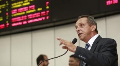 Lazinho repudia redução de imposto para importação de café