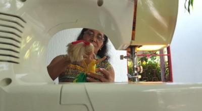 Ji-Paraná: Mãe que perdeu filho na queda de avião da TAM em 2007 supera depressão fazendo roupas de bonecas