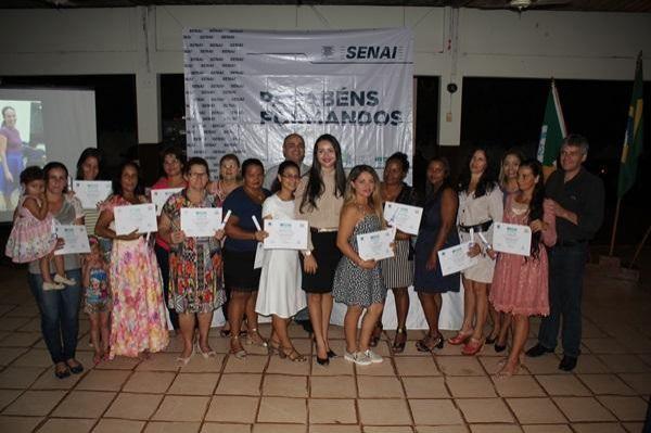 Projeto Profissões qualifica mais de 200 pessoas com cursos profissionalizantes em Rolim de Moura