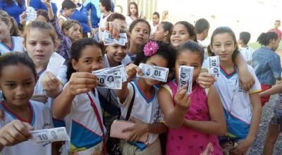 """Rolim de Moura: Escola João Batista Dias realiza Bazar """"JBD10 Kids"""""""