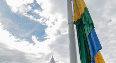 Monumento com a bandeira de Rondônia é inaugurado no Trevo do Roque em Porto Velho