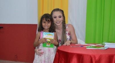 Rolim de Moura: Escola Municipal Balão Mágico realiza noite de autógrafos