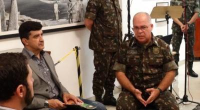 Operação do Exército com apoio das forças de segurança do estado apreende toras de madeira em Rondônia