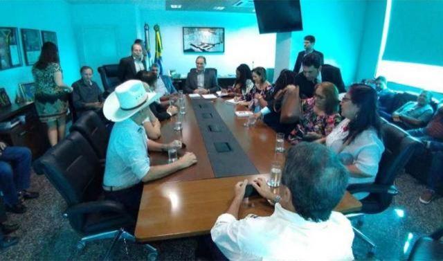 Daniel Pereira se reúne com sindicatos e anuncia medidas para ajudar a agilizar a transposição