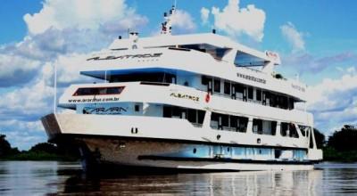 QUESTÃO AMBIENTAL: Brasil pode usar energia solar em motores de embarcações