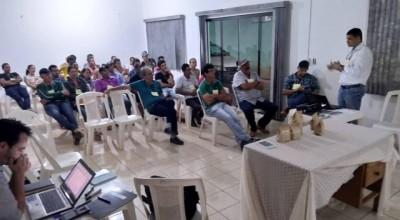 Secretário de Agricultura participa de assembleia de cooperativa de produtores e mantém apoio