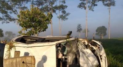 Casal morre e quatro pessoas ficam feridas após acidente entre moto e carro em Machadinho, RO