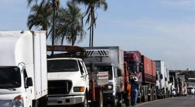 Após aumento do diesel, caminhoneiros estão divididos sobre paralisação