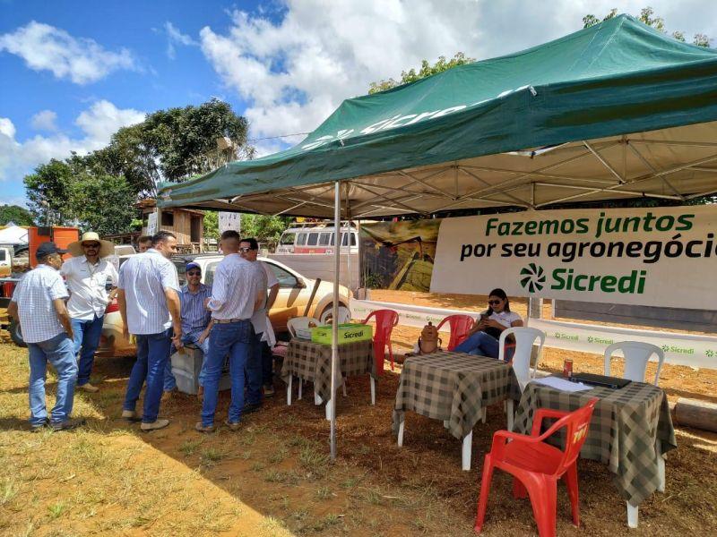 Equipe Sicredi de Aripuanã participa da Expomor no Distrito Cidade Morena