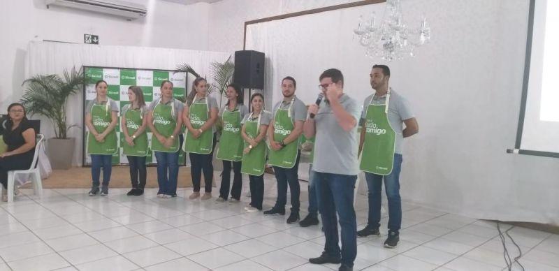 Sicredi realiza assembleia histórica em Vilhena com direito a parceria social e apresentacão em libras