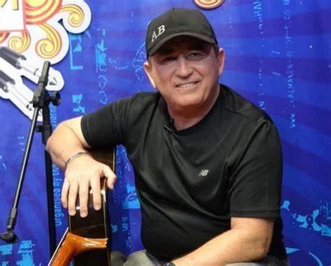 Avião faz pouso forçado e assusta cantor Amado Batista na Bahia